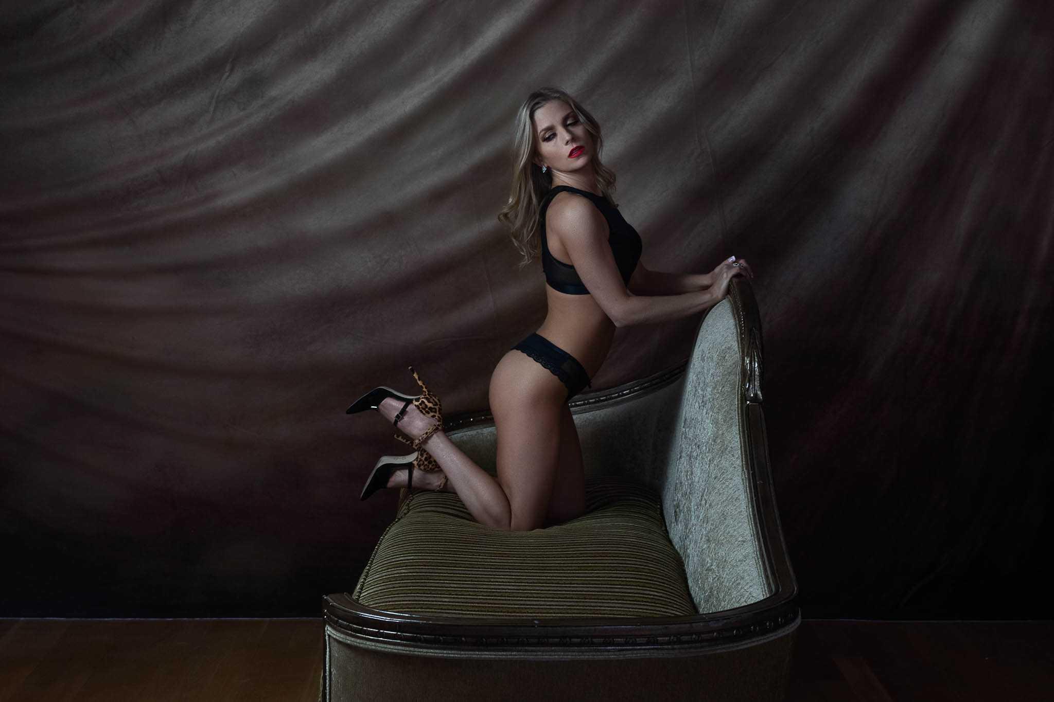 Houston boudoir studio Heights Boudoir featuring Erin