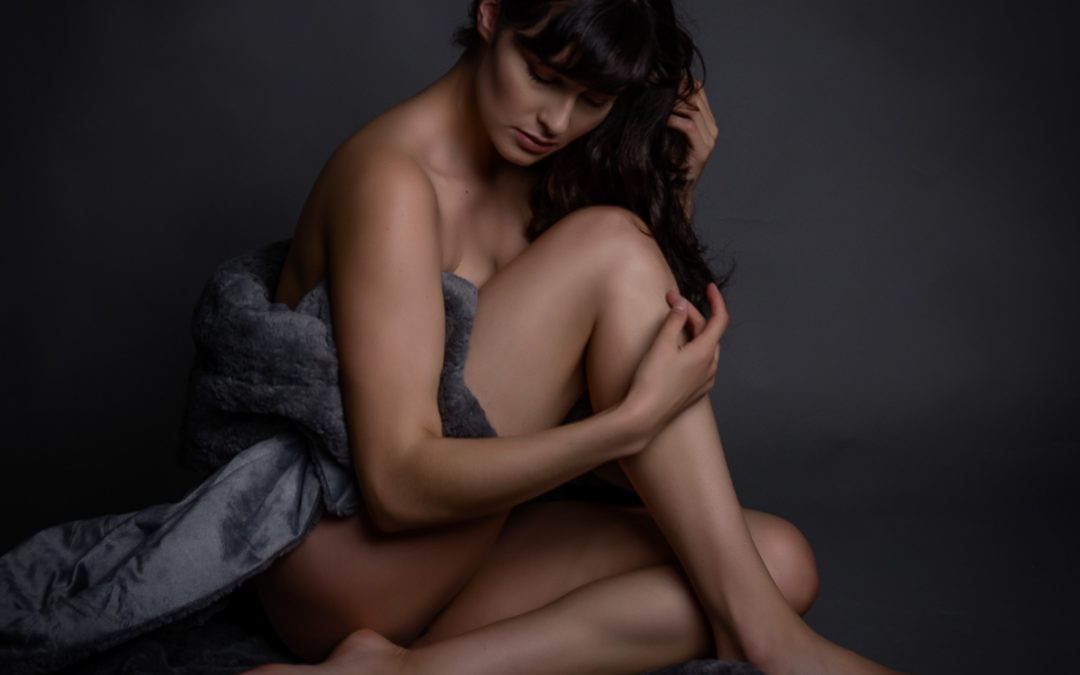 Houston Boudoir Photographer:  Are Naked Photos Sexy ?