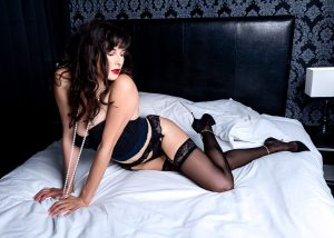 Houston Heights Boudoir Photography Studio for Intimate Sexy Pics with vintage lingerie