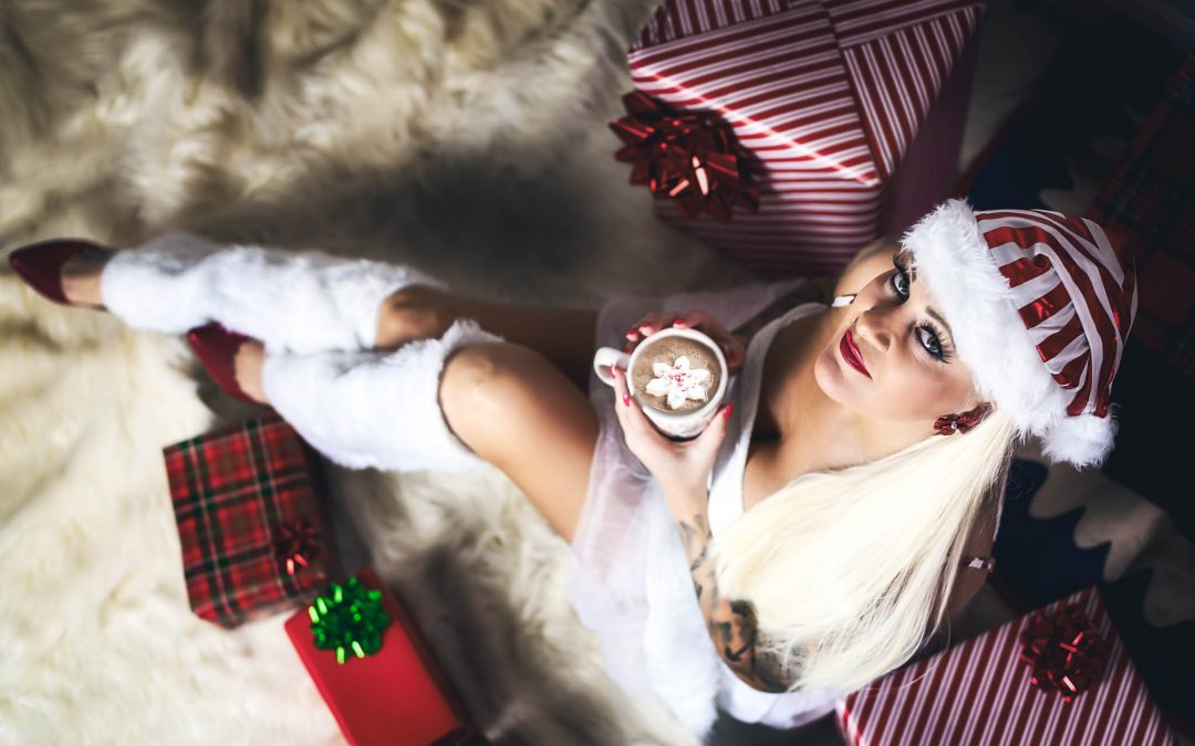 Houston Boudoir Photographer Offers Sexy Christmas Photo Sessions
